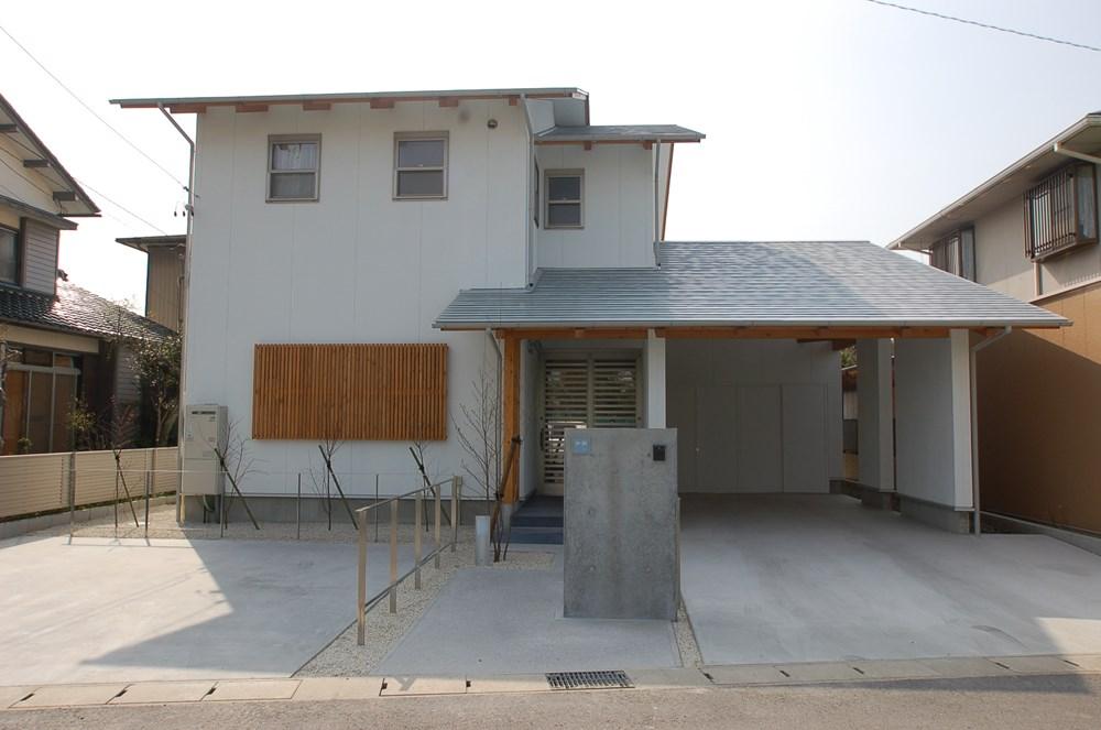暮らしの中にガレージがある家